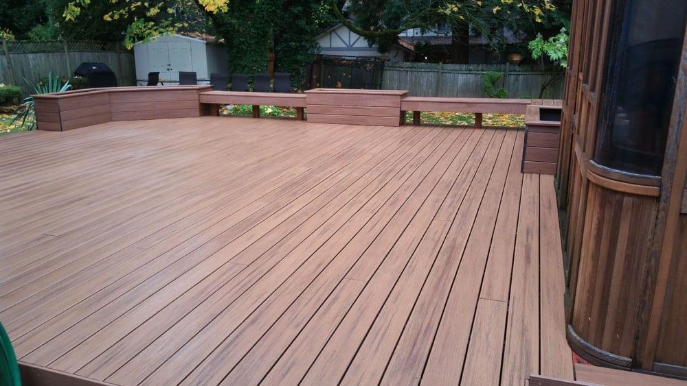 Advantages of Installing a Composite Deck in Bellevue